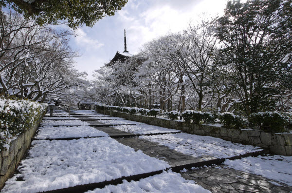 真如堂の雪景色